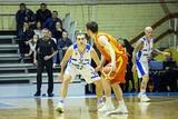В двух первых играх сезона наиболее результативную игру показывает капитан команды Александр Варнаков.
